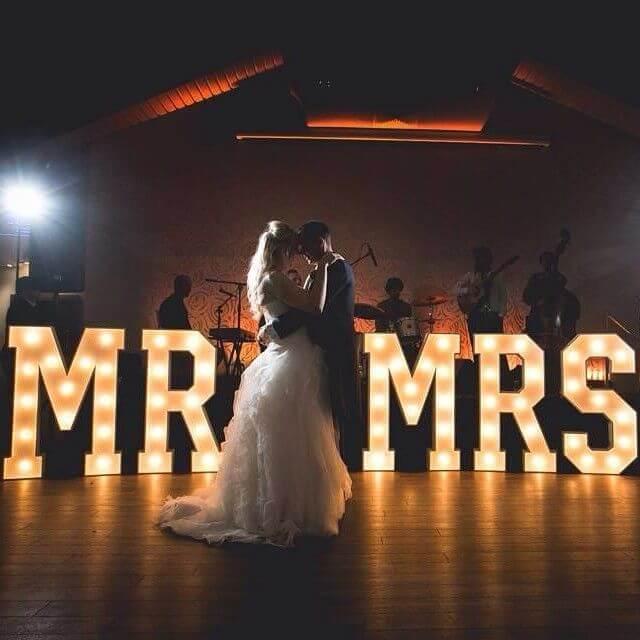 Redenen voor lichtletters op je bruiloft